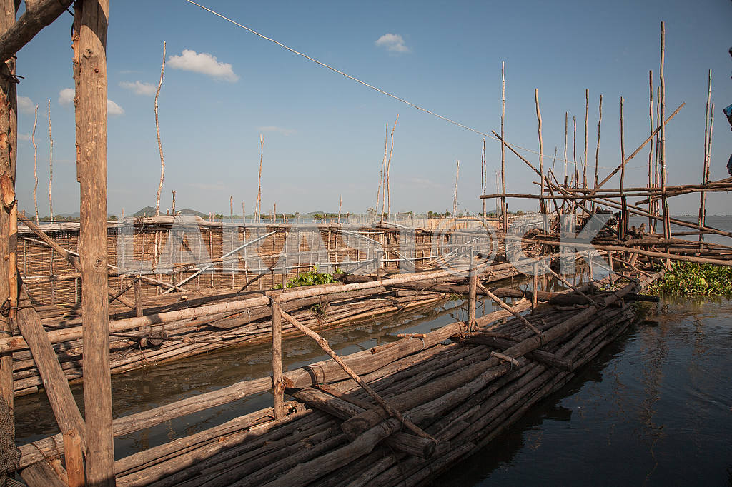 Trough of eyebrows and ropes fishing cooperative, Tonle Sap Lake, — Image 3447