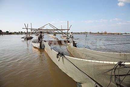Fishing artel.Sooruzheniya industrial fishing fishing cooperative in the lake of Tonle Sap in Cambodia.