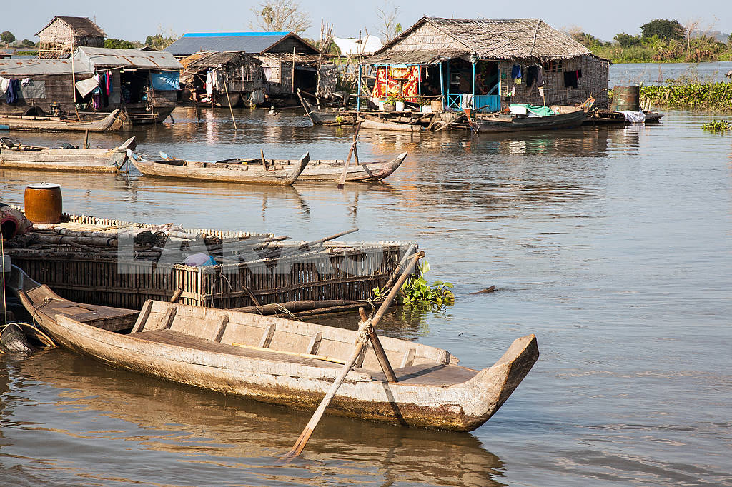 Berth at the house on the water, Tonle Sap Lake, Cambodia. — Image 3455