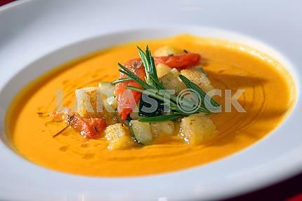 Pumpkin soup with vegetables