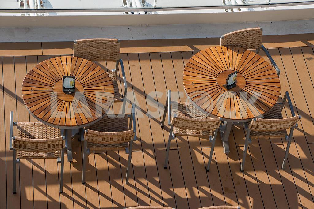 Столы и стулья — Изображение 36093