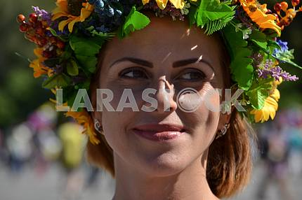 Girl in a wreath on the bottom Slavyansk