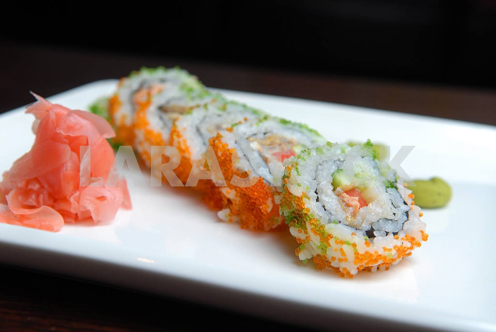 Sushi with a salmon of avocado — Image 3697