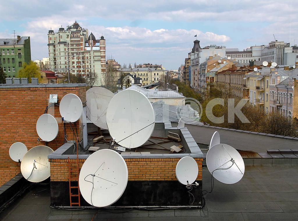 Satellite aerials — Image 3765