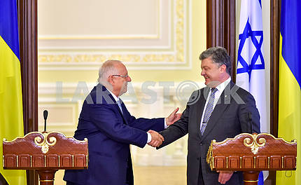 The meeting of the Presidents Poroshenko and Reuven Rivlin