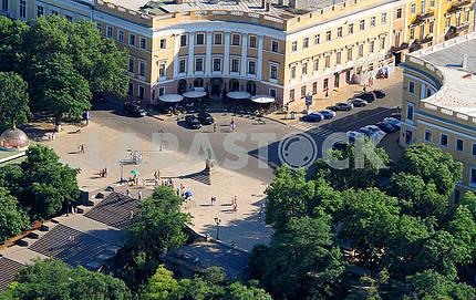 Памятнику Дюку, первому одесскому градоначальнику