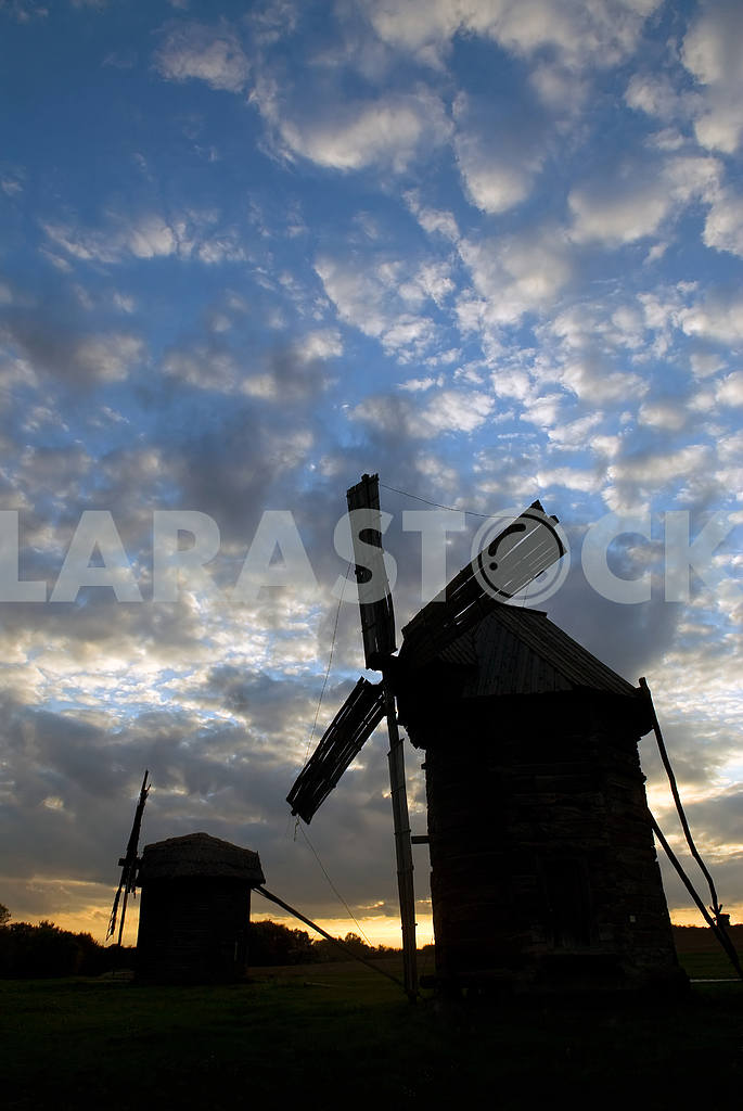 Windmills against the sunset sky — Image 3814