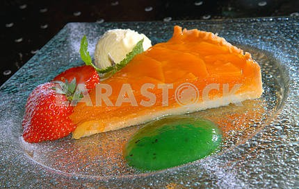 Pie from a mango with ice-cream