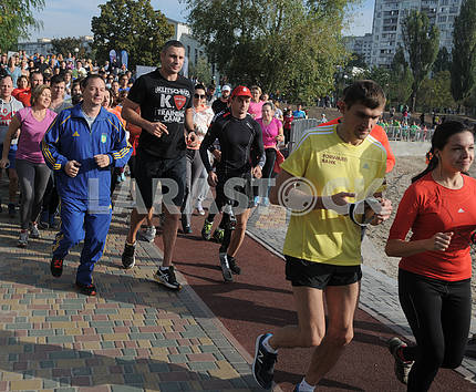 Mayor of Kiev Vitali Klitschko together with his brother Vladimir tested a new treadmill to Kiev