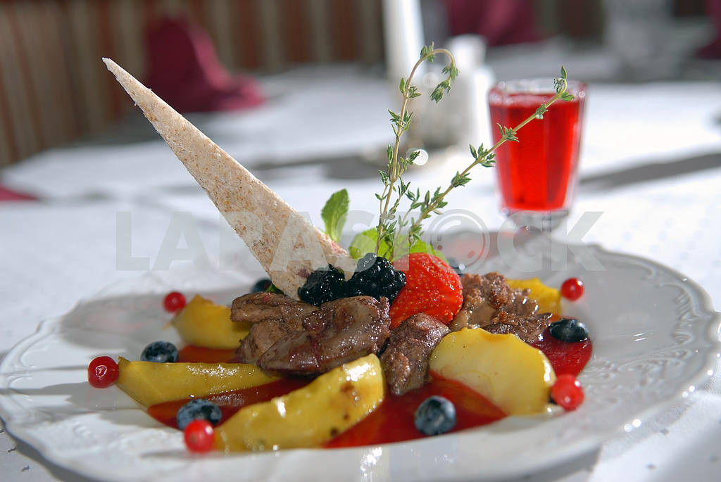Fried liver of a rabbit with cranberry sauce — Image 3870