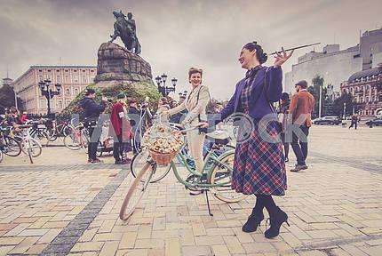 "Kiev Autumn Festival ""Retro Cruise"""
