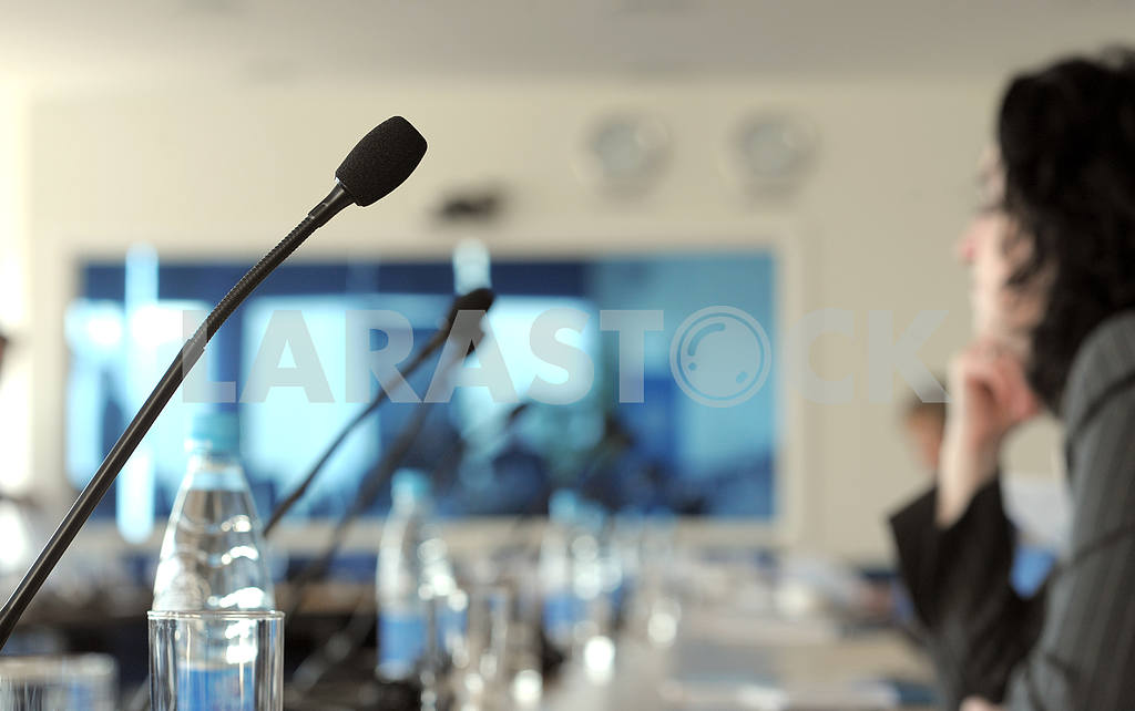 Microphone in a conference room — Image 3957