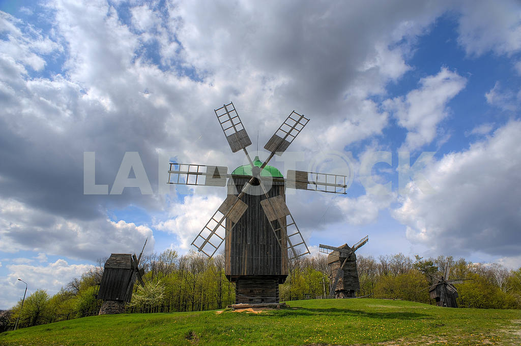 Wooden windmill — Image 3961
