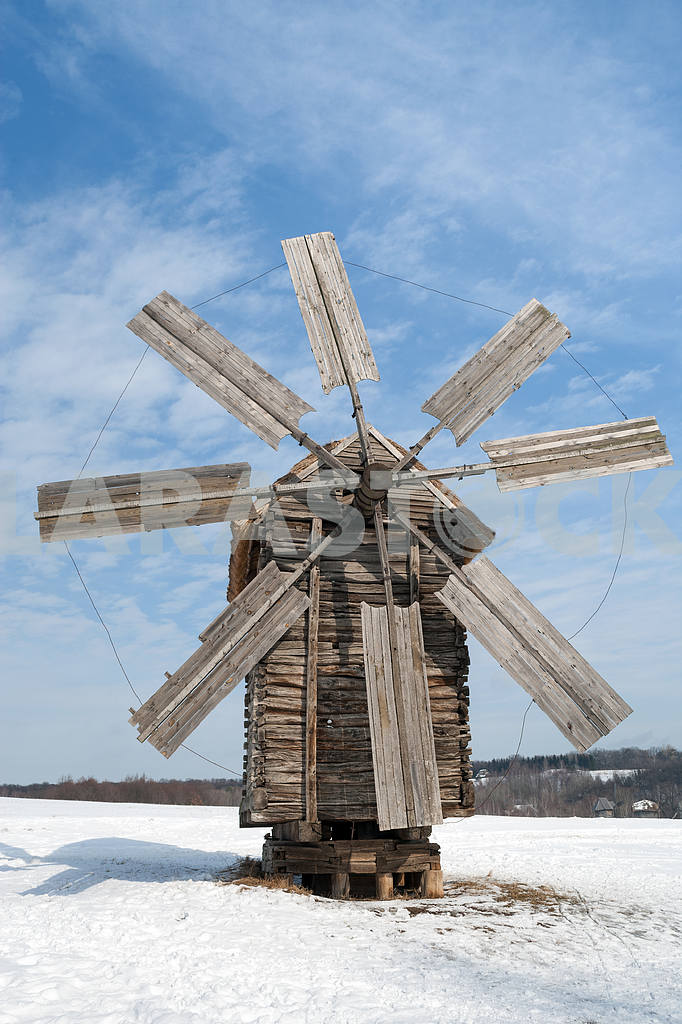 Beautiful winter windmill landscape — Image 4377