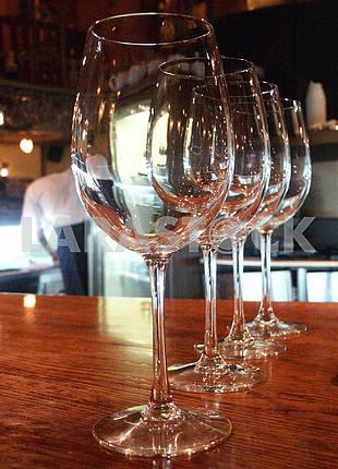Glasses in the restaurant