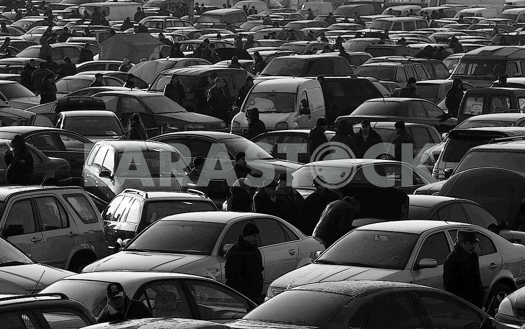 Car market near Kiev — Image 46419