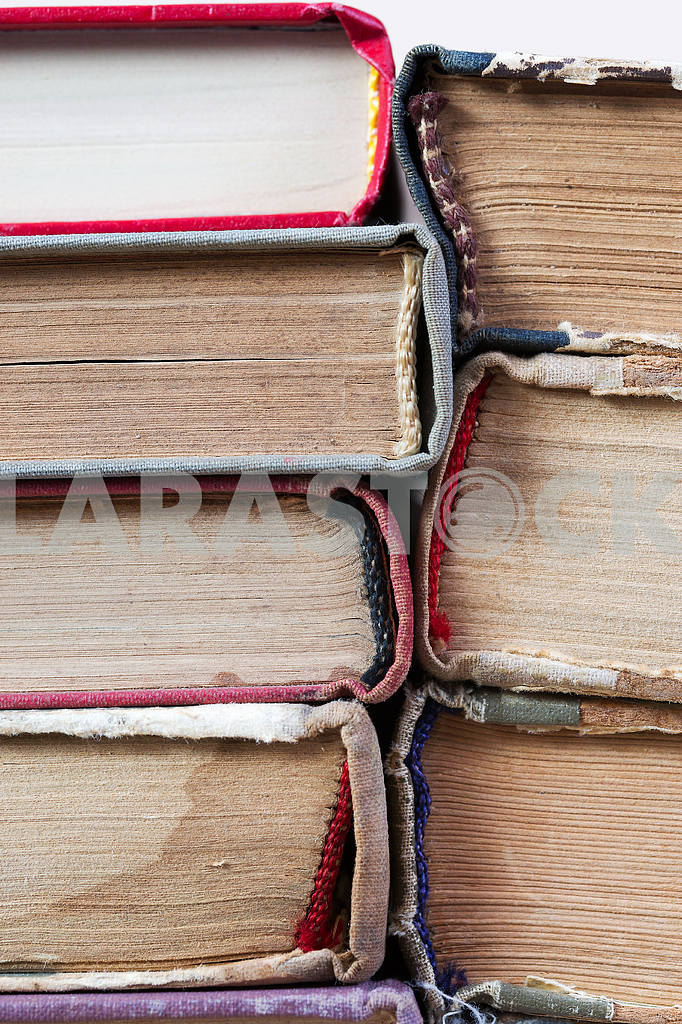 Open book, stack of hardback books on wooden table. Back to school. Copy space — Image 46535