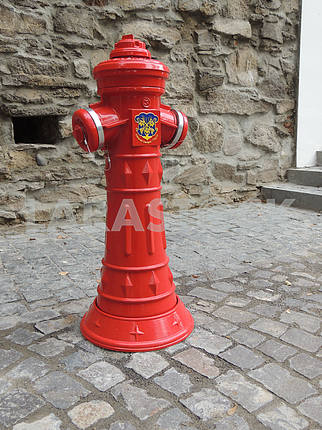 Cast iron fire hydrant
