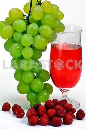 Виноград и малина