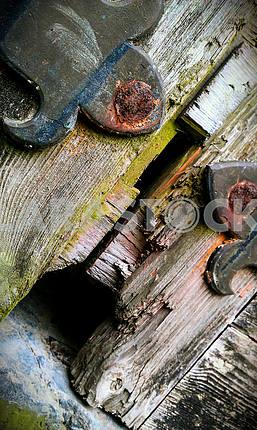 Детали деревянной двери