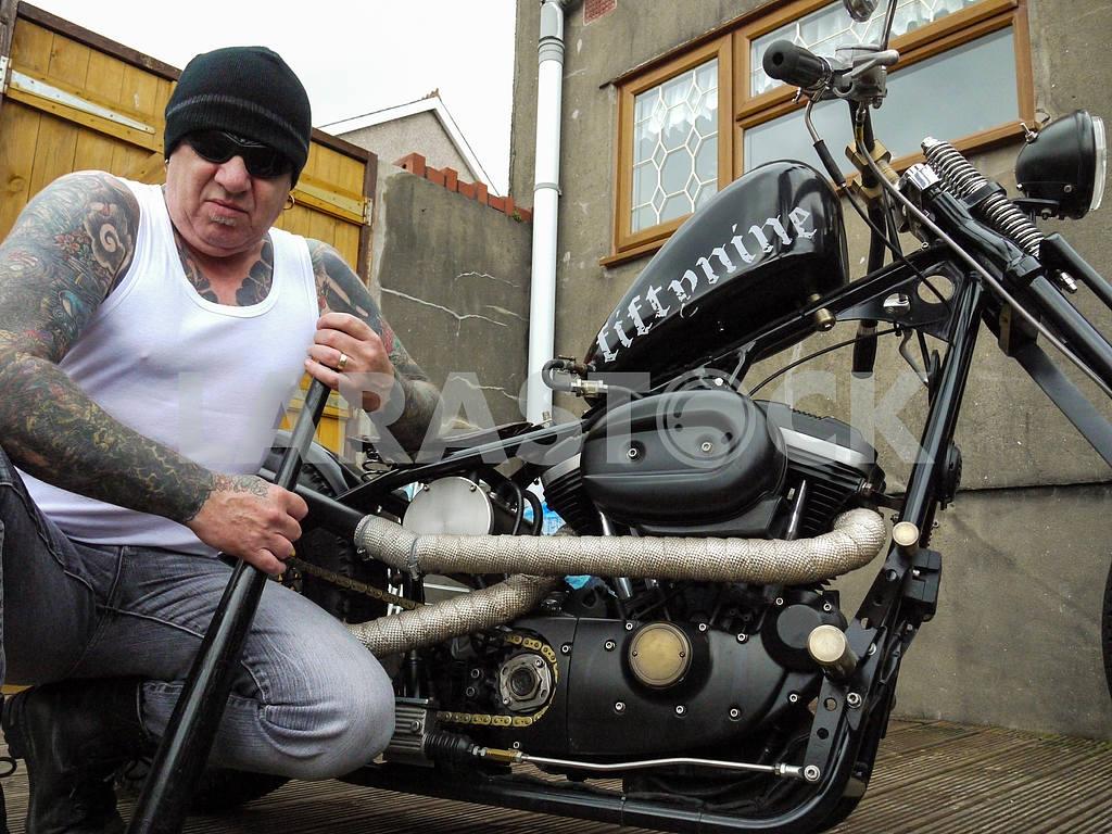 Intimidating Biker — Image 47017