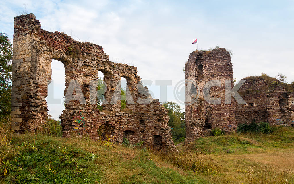 The ruins of the castle tower Buchach. Buchach, Ternopil region, — Image 47724