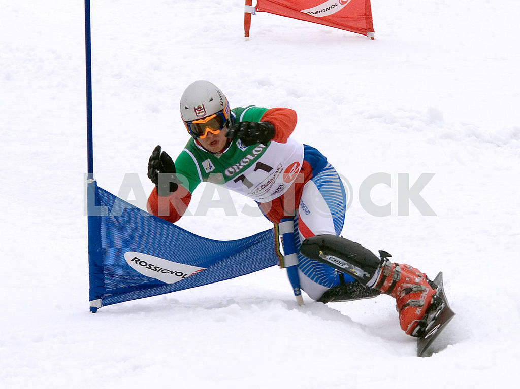 Athlete on snowboard — Image 47756
