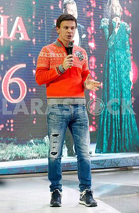 Дмитрий Комаров,в рост