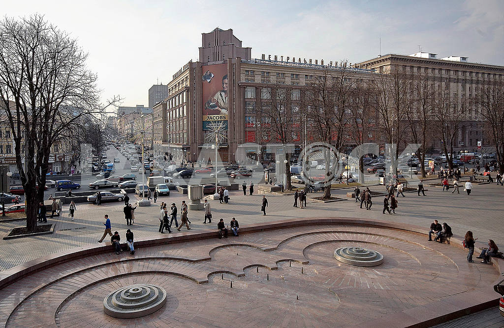 Crossroads Khreshchatyk street Bohdan Khmelnytsky (formerly Lenin) CUM right building before reconstruction — Image 48235