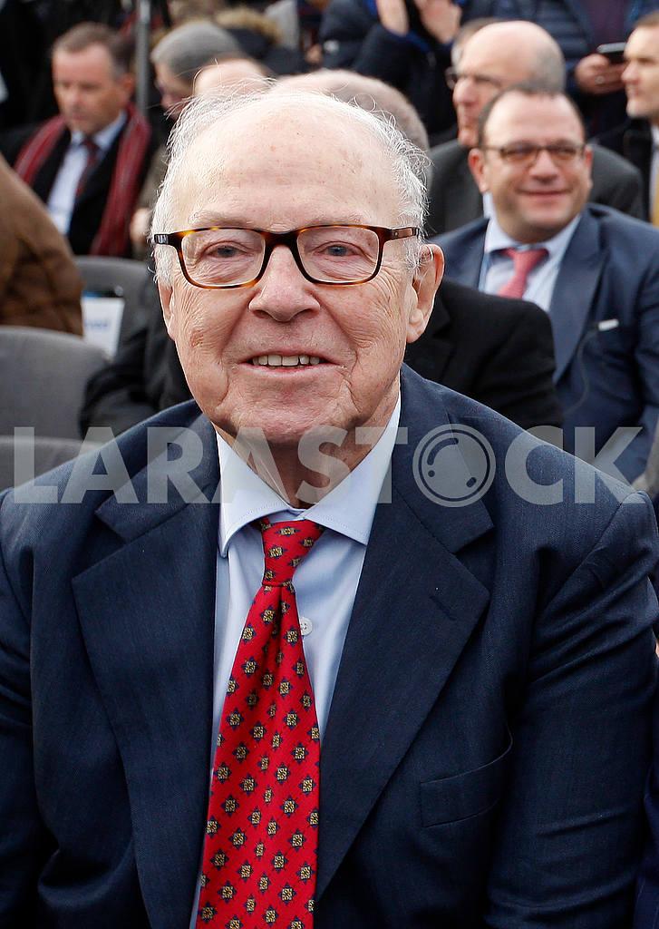 Hans Blix smiles — Image 48262