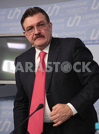 TV presenter Evgeny Kiselyov