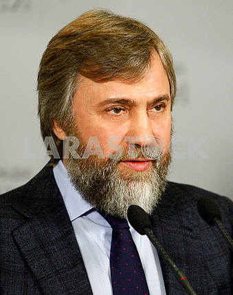 Vadim Novinsky vertical portrait