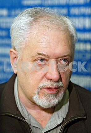 Semyon Gluzman,vertical portrait