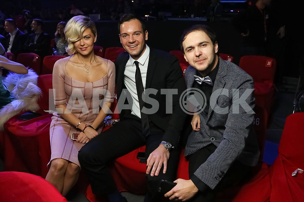 Irisha Blokhina, Alexey Brynzak, Viktor Demchuk at the award ceremony of the M1 Awards 2016 — Image 48758