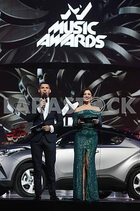 Никита Добрынин, Оля Цыбульская на церемонии награждения M1 Awards 2016