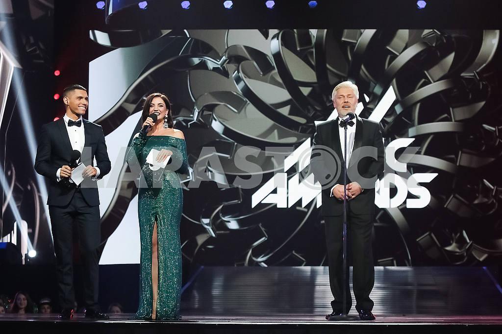 Никита Добрынин, Оля Цыбульская, Валентин Коваль на церемонии награждения M1 Awards 2016 — Изображение 48785