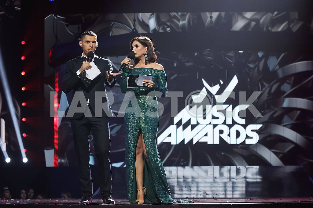 Nikita Dobrynin and Olya Tsybulskaya at the award ceremony of the M1 Awards 2016 — Image 48805