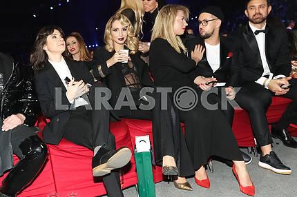 Нателла Крапивина, LOBODA, Юла и Monatik на церемонии награждения M1 Awards 2016