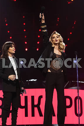 Natella Krapivina and LOBODA at the award ceremony of the M1 Awards 2016