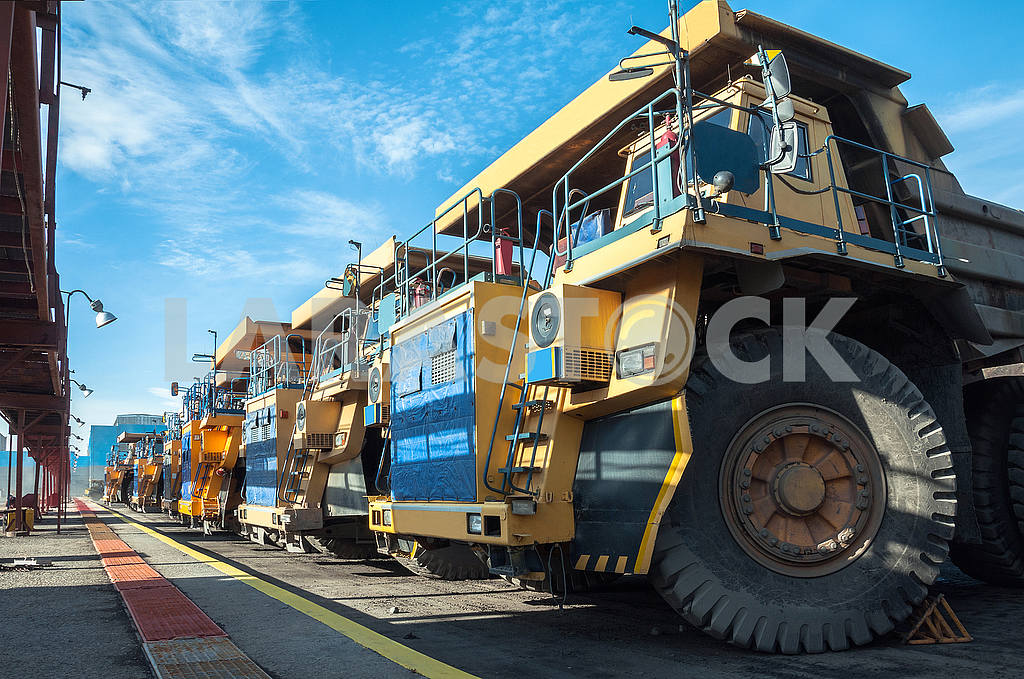 Trucks at repairs — Image 49113