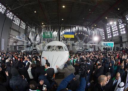 Презентация самолёта АН-132Д