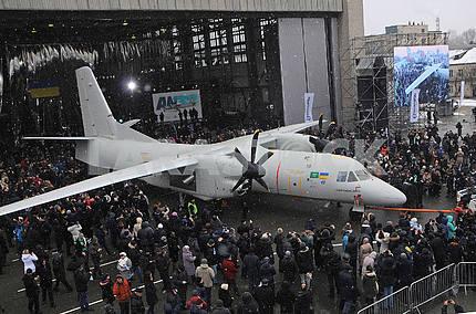 Самолёт Ан-132Д во время презентации