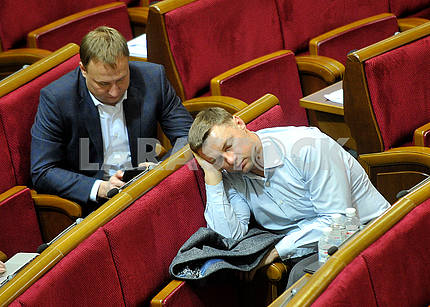 The deputy is asleep at the meeting of the Verkhovna Rada