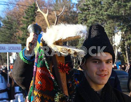 Юноша в костюме козы