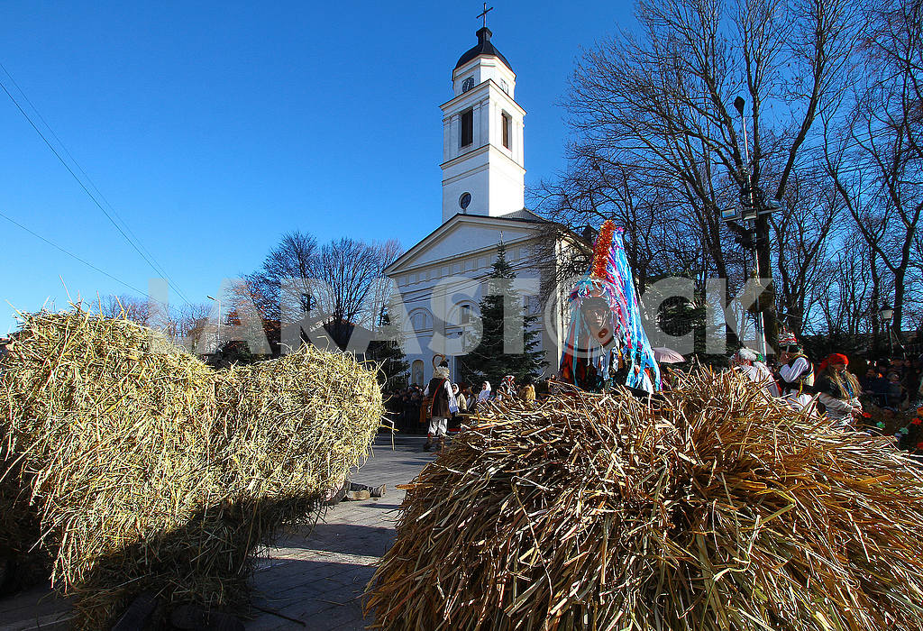 Straw and Reed Bears — Image 49591
