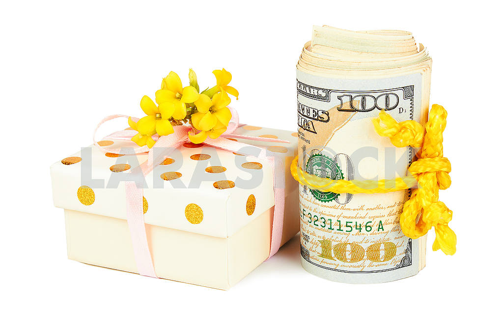 Gift box and roll of dollars. — Image 49624