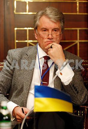Виктор Ющенко,портрет по пояс