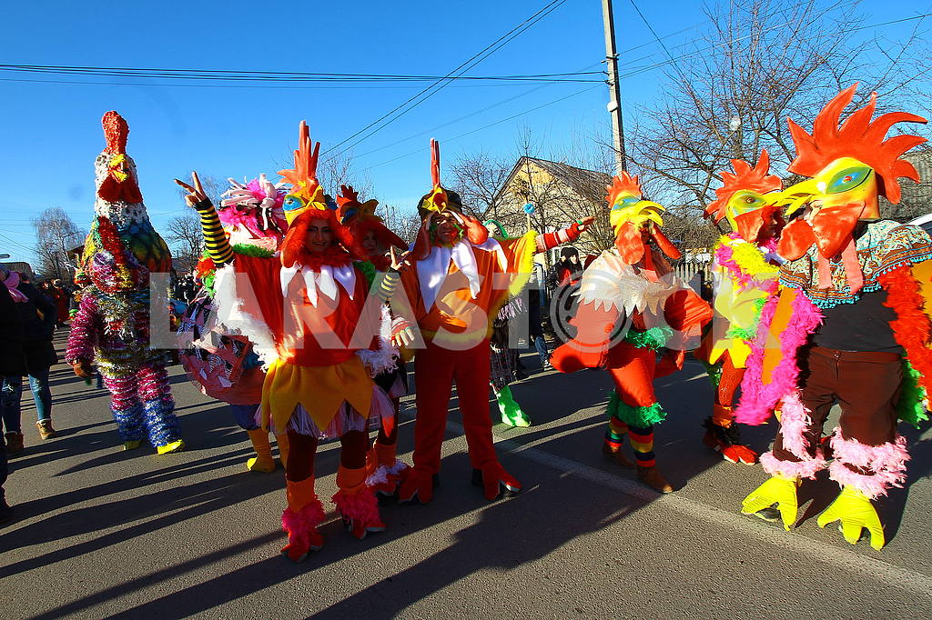 People in rooster costumes — Image 49695
