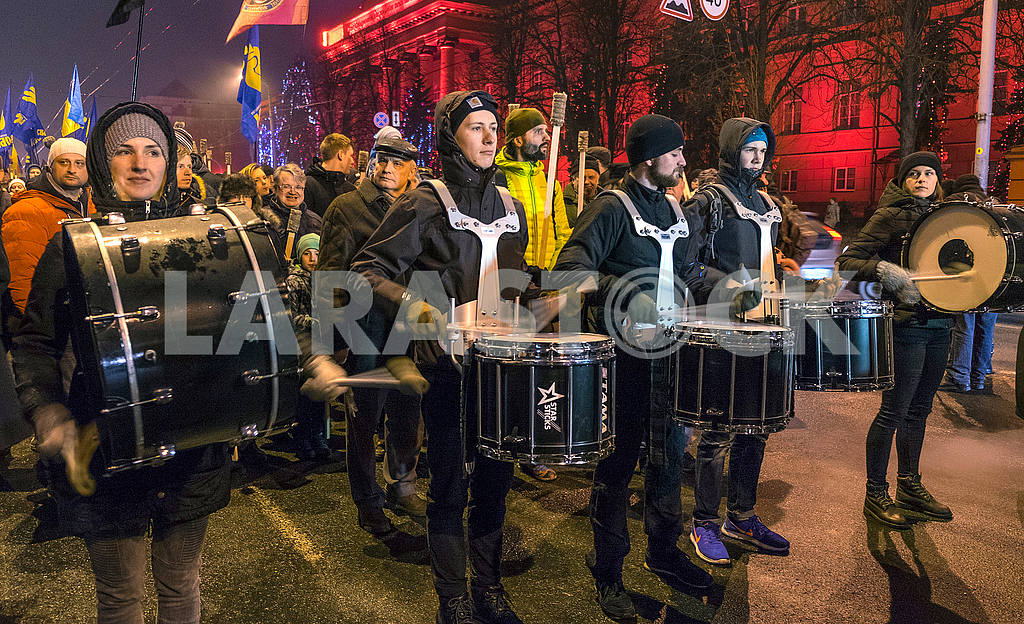 Drummers in the torchlight march — Image 49699