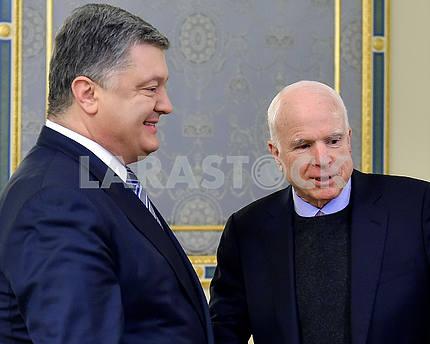 President of Ukraine Petro Poroshenko and John McCain